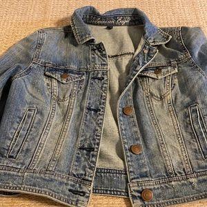 Crop denim jacket